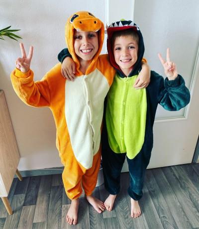 Hugo et Lucas ou l'école en pyjama